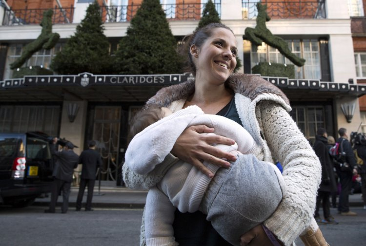 Carla Mastroianni Breastfeeding Protest